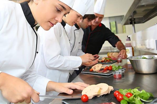 לימודי בישול וקונדיטוריה